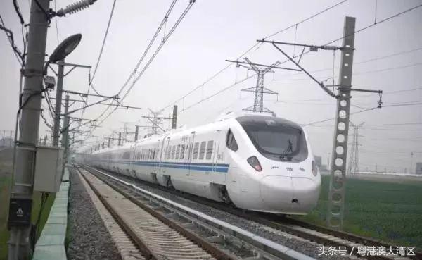 定了!广深港高铁9月底前通车!未来在香港坐地铁可用移动支付!